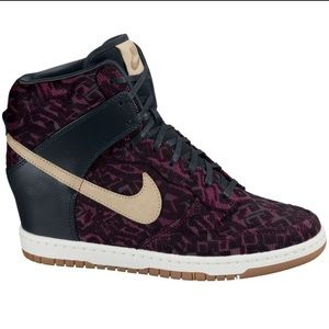 NIKE • Dunk Sky High Premium Print Wedge Sneaker